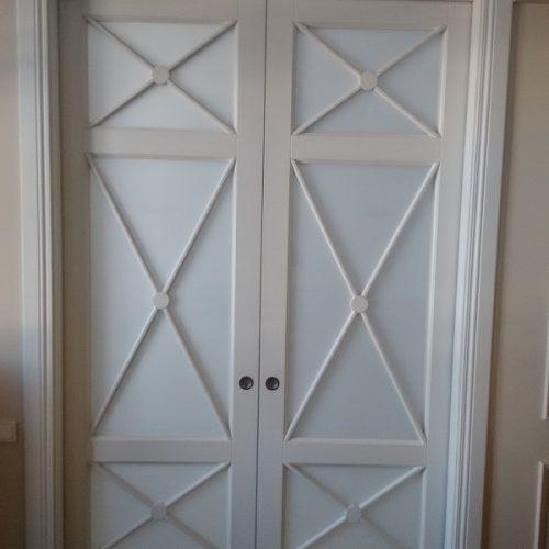 Baltas durvis (1)