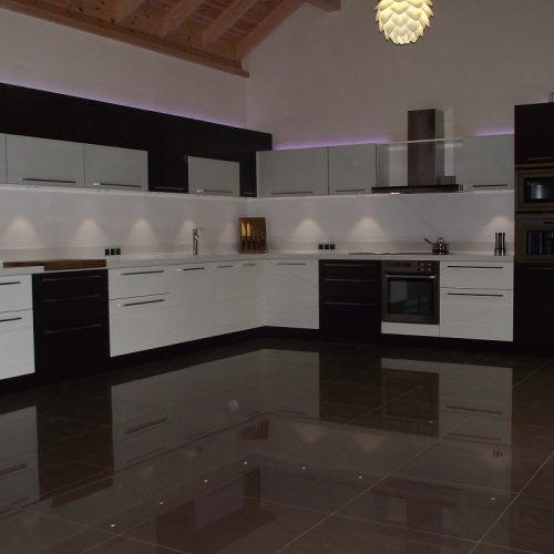 Virtuve01 (1)