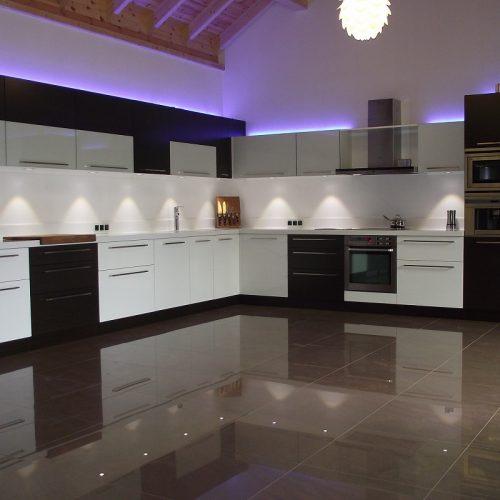 Virtuve01 (2)